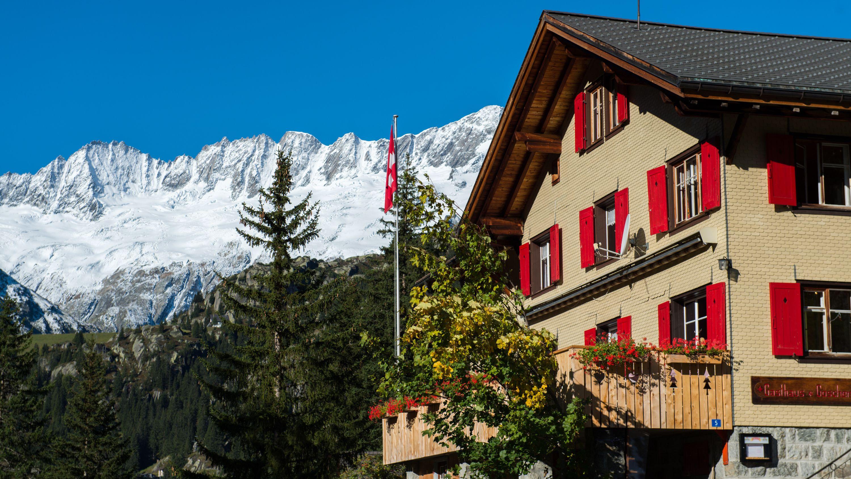 Hotel-Restaurant-Göscheneralp-Aussenansicht